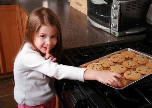 Cookie Thief  M&KJAN01