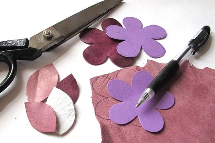 Как сделать цветок из кожи своими руками мастер класс